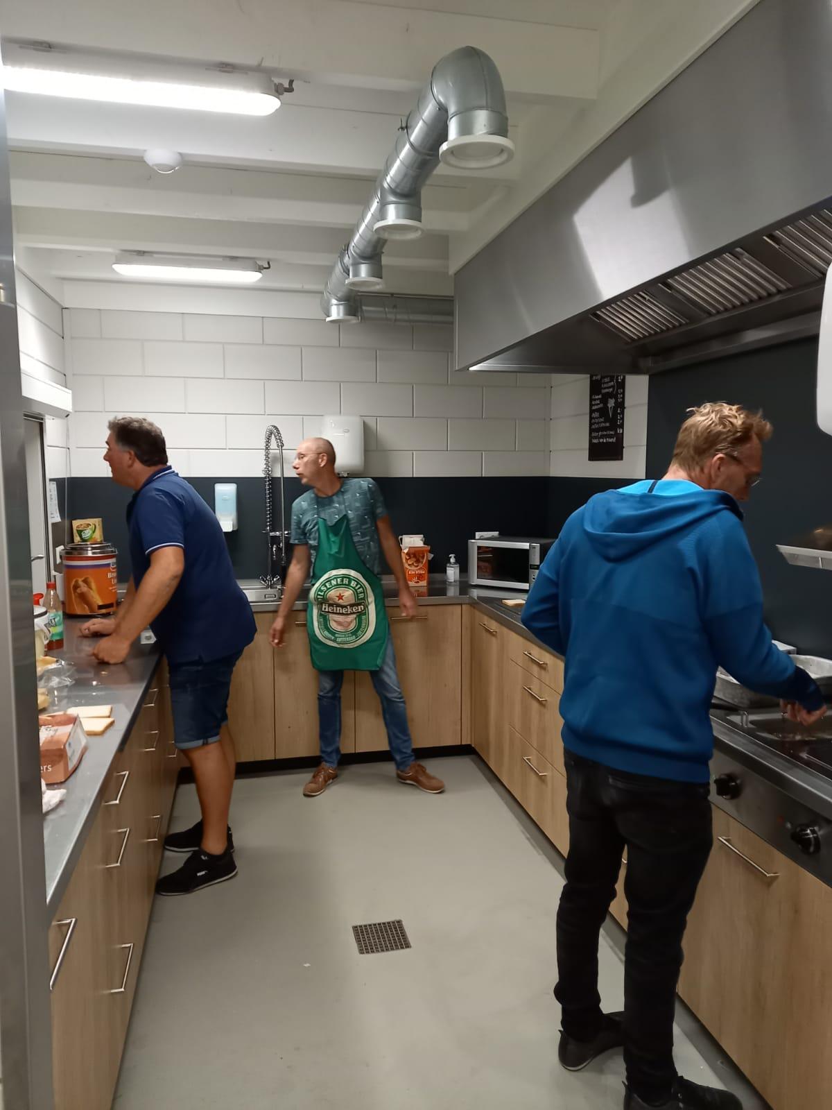 Onze prachtige keuken in full operations!
